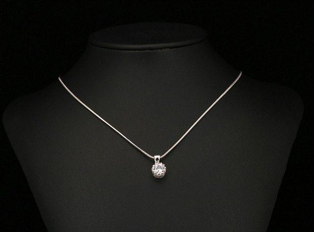 Women's Classic Gold Pendant Necklace