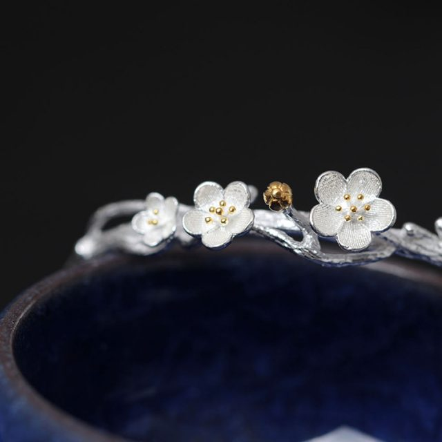 Elegant Romantic Floral Silver Women's Bangle